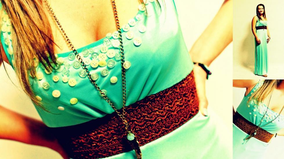 úpletové jednoduché spoločenské šaty